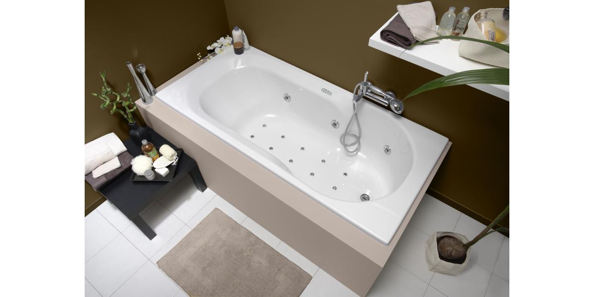 comment nettoyer une baignoire balno trendy comment nettoyer une baignoire en acrylique frais. Black Bedroom Furniture Sets. Home Design Ideas